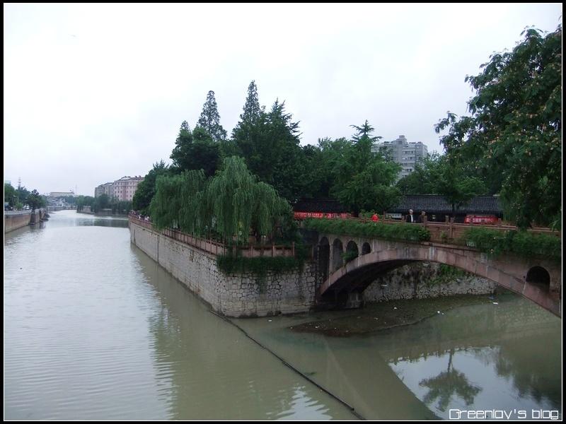 """过人民桥寻找""""宝塔湾"""""""